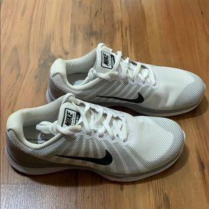 NWOT Nike In Season Trainer 6
